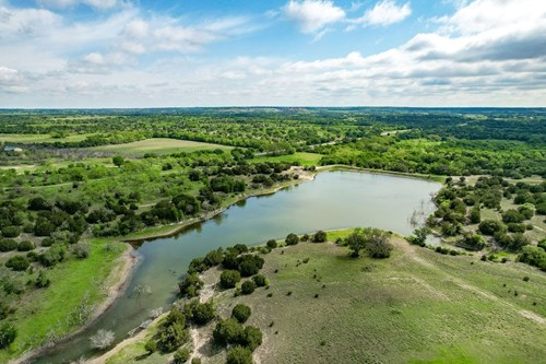 Ranches for Sale in Central Texas - 346 Acre with Lake