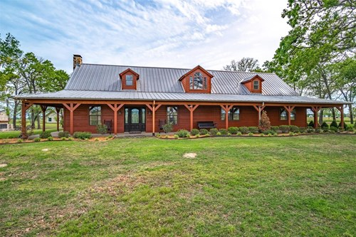 Custom Log Home for Sale in Canton, Texas