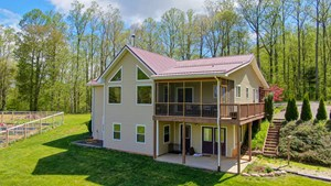 BEAUTIFUL FLOYD VA HOME FOR SALE WITH MOUNTAIN VIEWS!