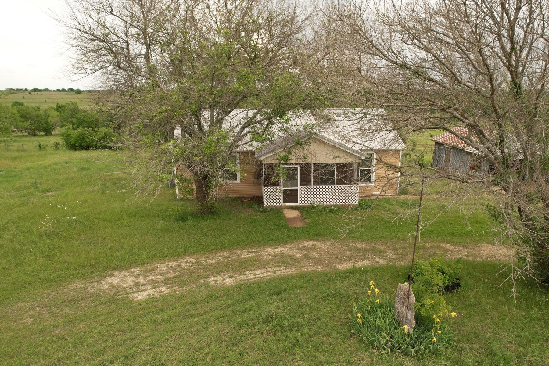 Land for Sale in Lorena, Texas!