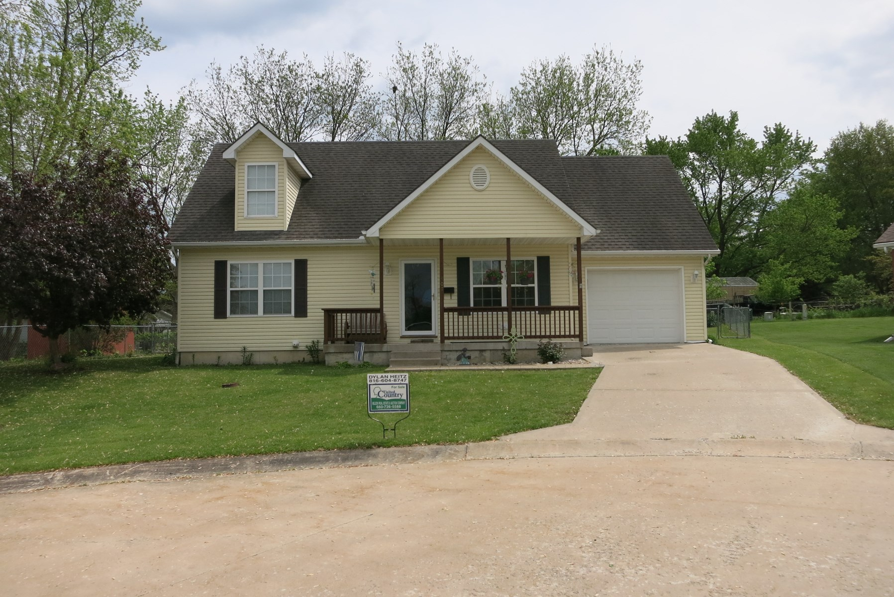 For Sale 1.5 Story House in Cameron, MO
