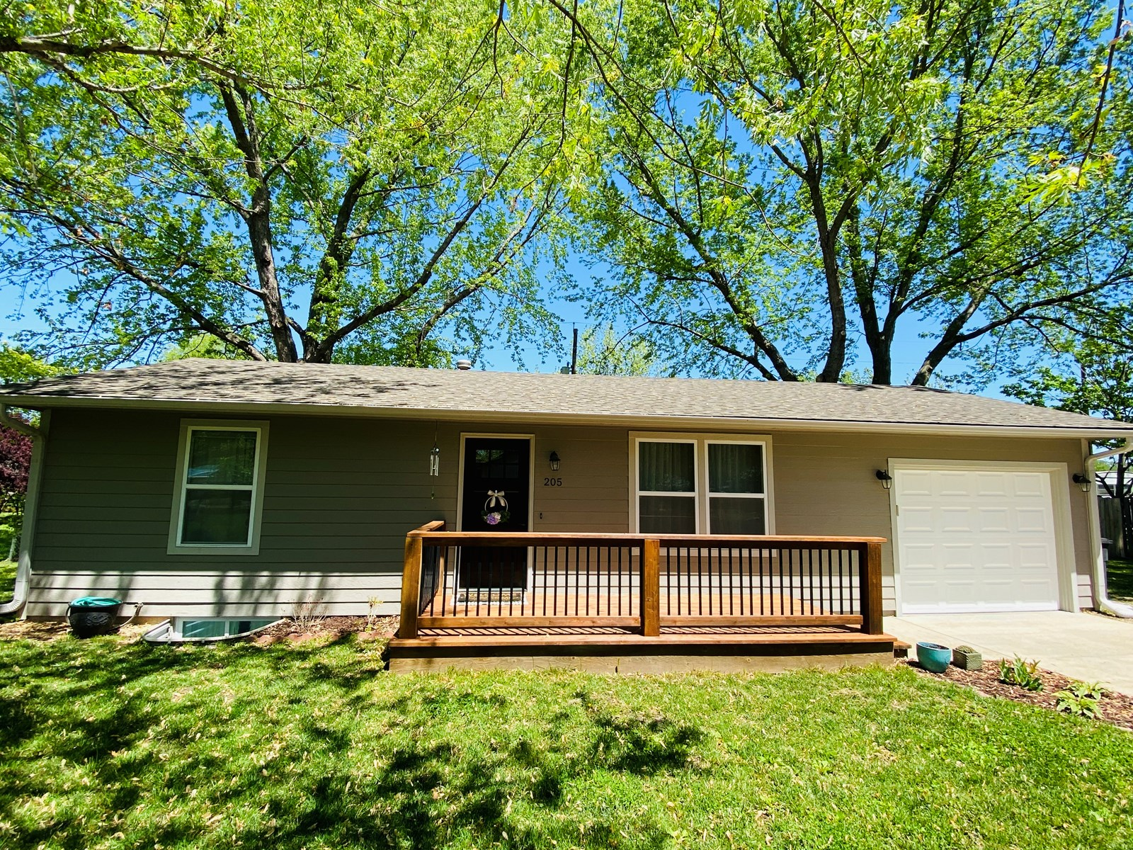 Home For Sale in Jefferson County- Perry Kansas