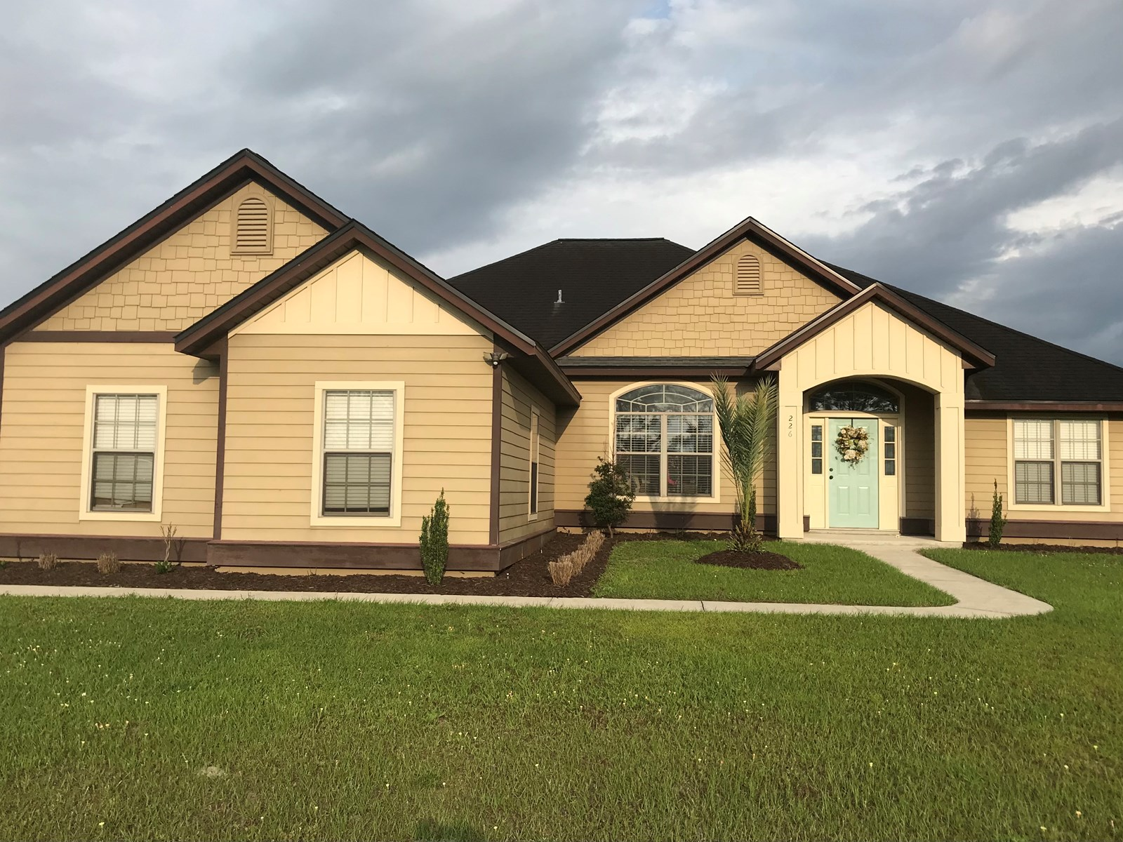SPACIOUS HOME ON 1/2 ACRE IN NORTH CENTRAL FLORIDA