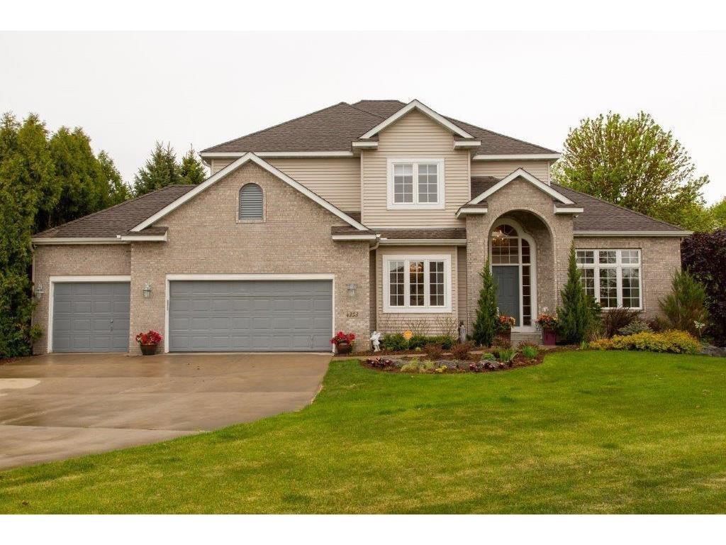 Large Beautiful Home For Sale On Cul De Sac In Eagan MN