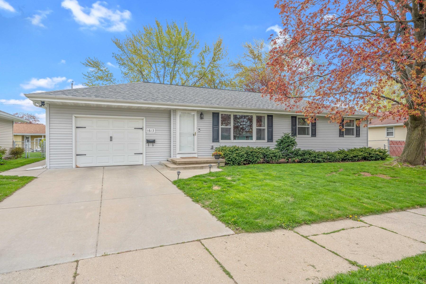 Home in Green Bay for sale near Lambeau Field