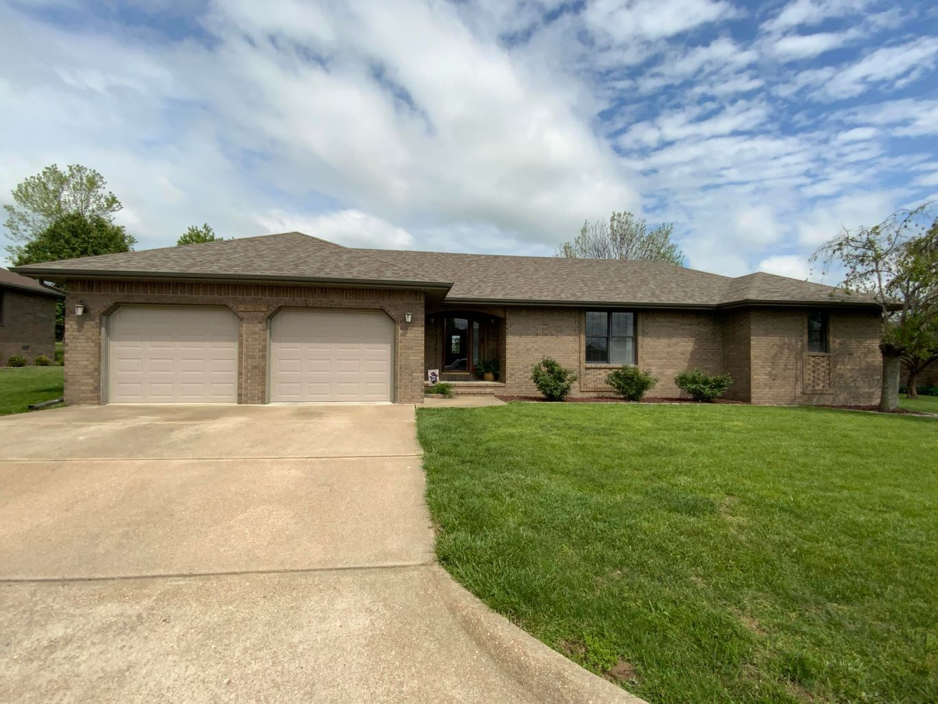 Brick Home in Town for Sale in South Central Missouri Ozarks