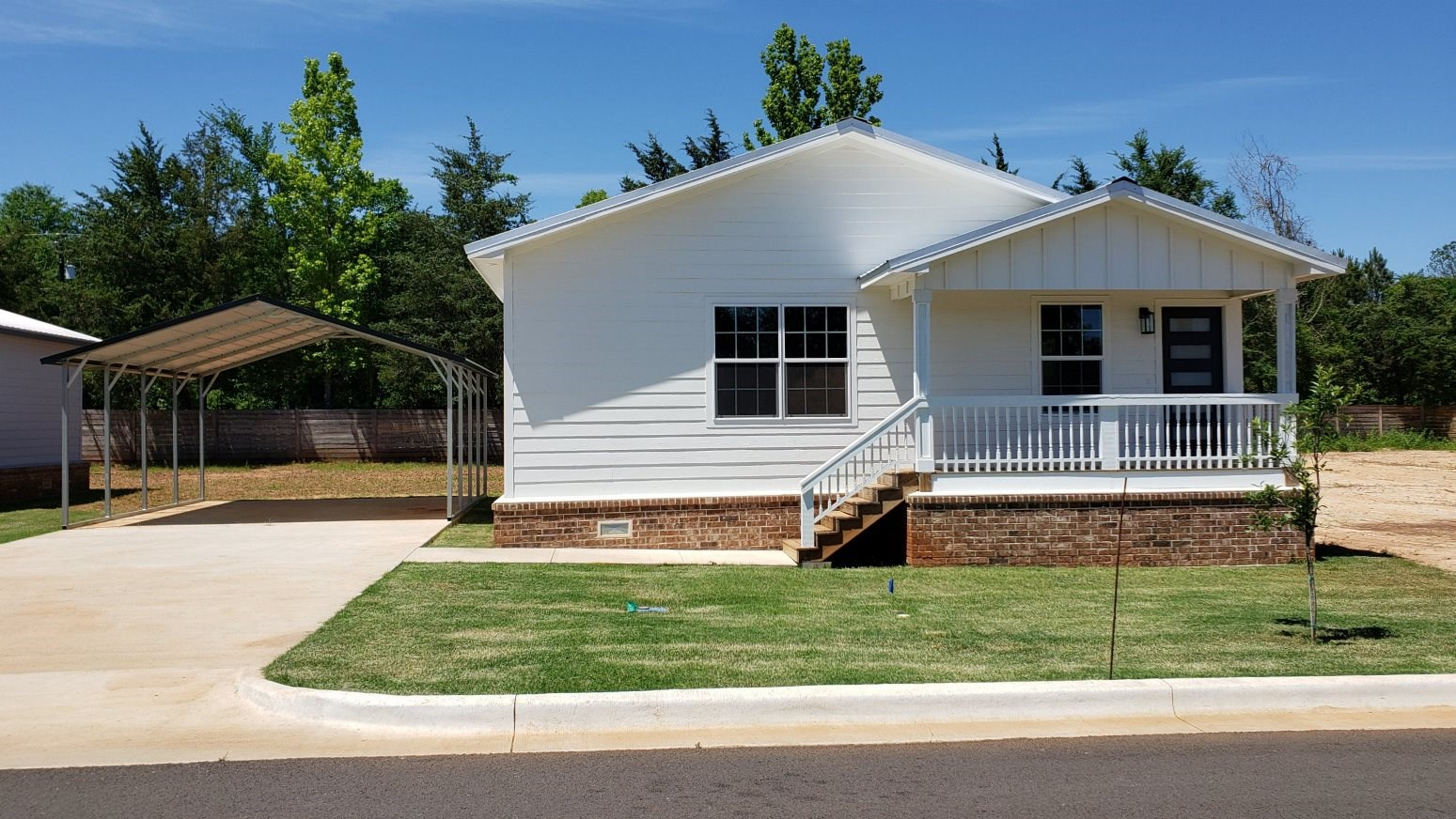 CHARMING NEW ENERGY EFFICIENT HOME FOR SALE PALESTINE TEXAS