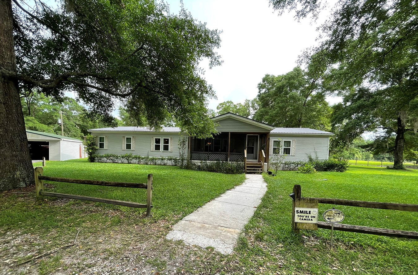 10 Acres with remodeled manufactured home, Lake City Florida