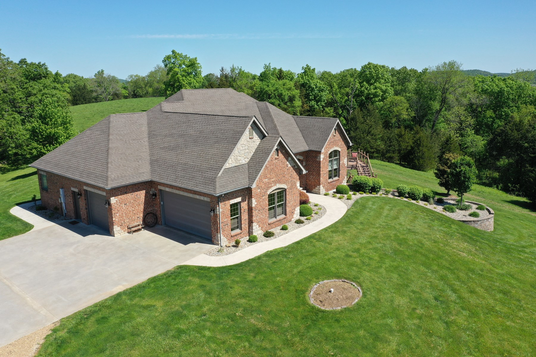 Beautiful Brick Home Just Minutes From Hermann, MO!
