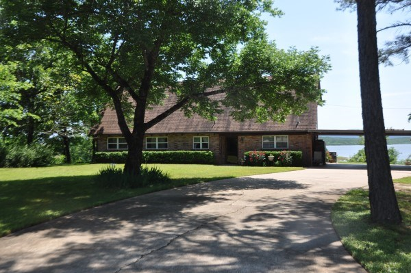 LAKE WISTER SOUTHEASTERN OKLAHOMA COUNTRY HOME FOR SALE