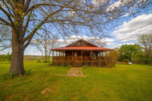 Log Home Buffalo River Searcy Co Bed and Breakfast For Sale