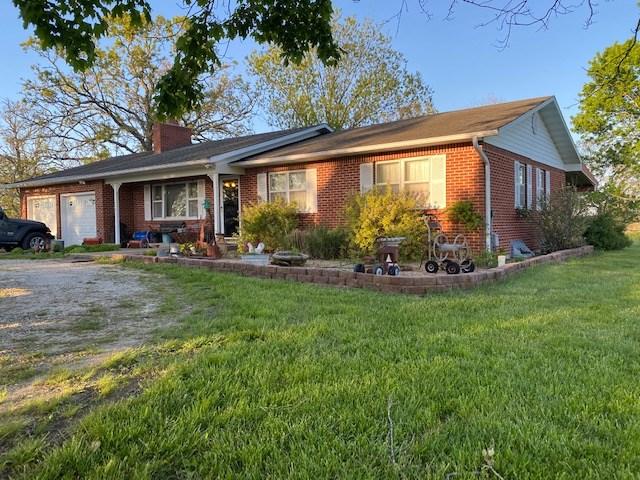 Southern Missouri Hobby Farm for Sale - Nice Brick Home