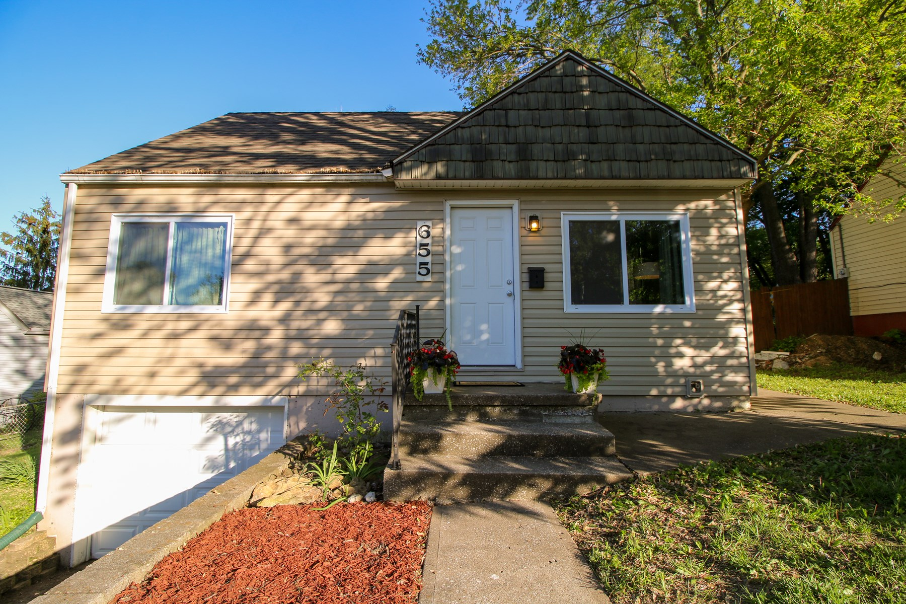Liberty MO Updated Home For Sale