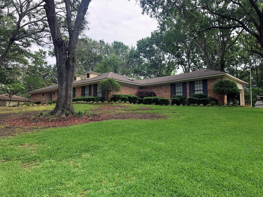 4/2 HOME FOR SALE IN PALESTINE, TEXAS