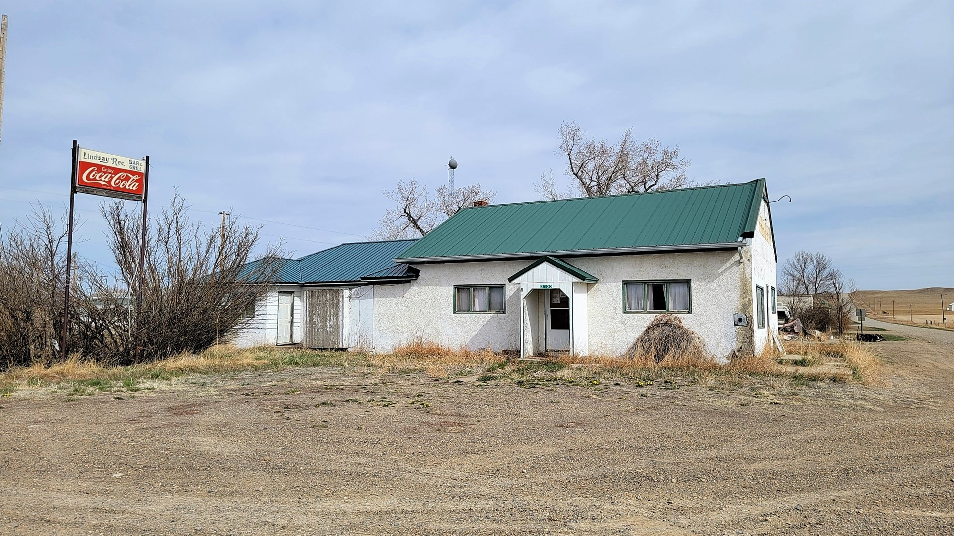 Home with a bar or bar with a home for sale Lindsay, MT