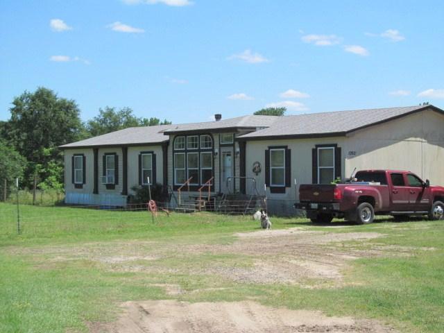 23 EAST TEXAS ACRES 4/3 + PASTURE, BARNS, POND WINNSBORO, TX