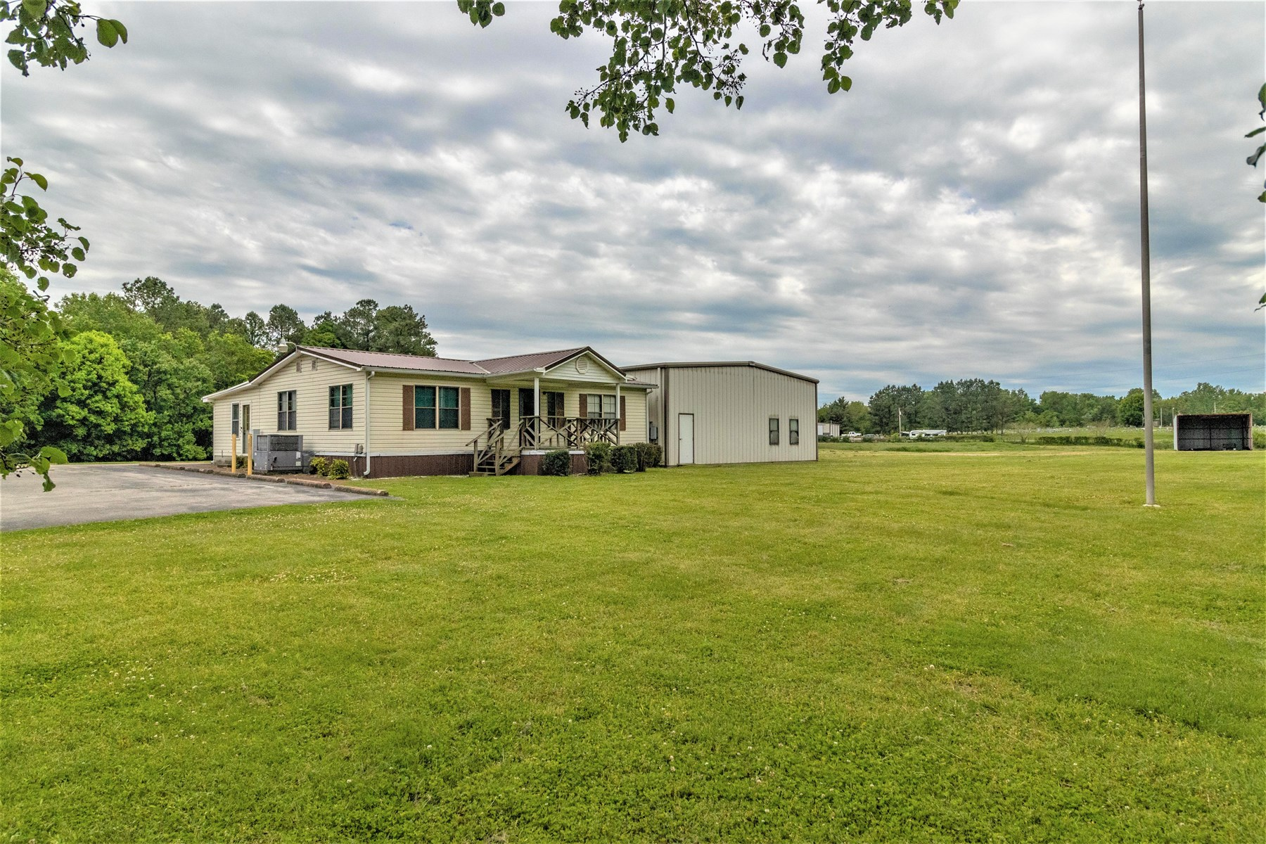Commercial Property for Sale in Mount Pleasant, Tennessee