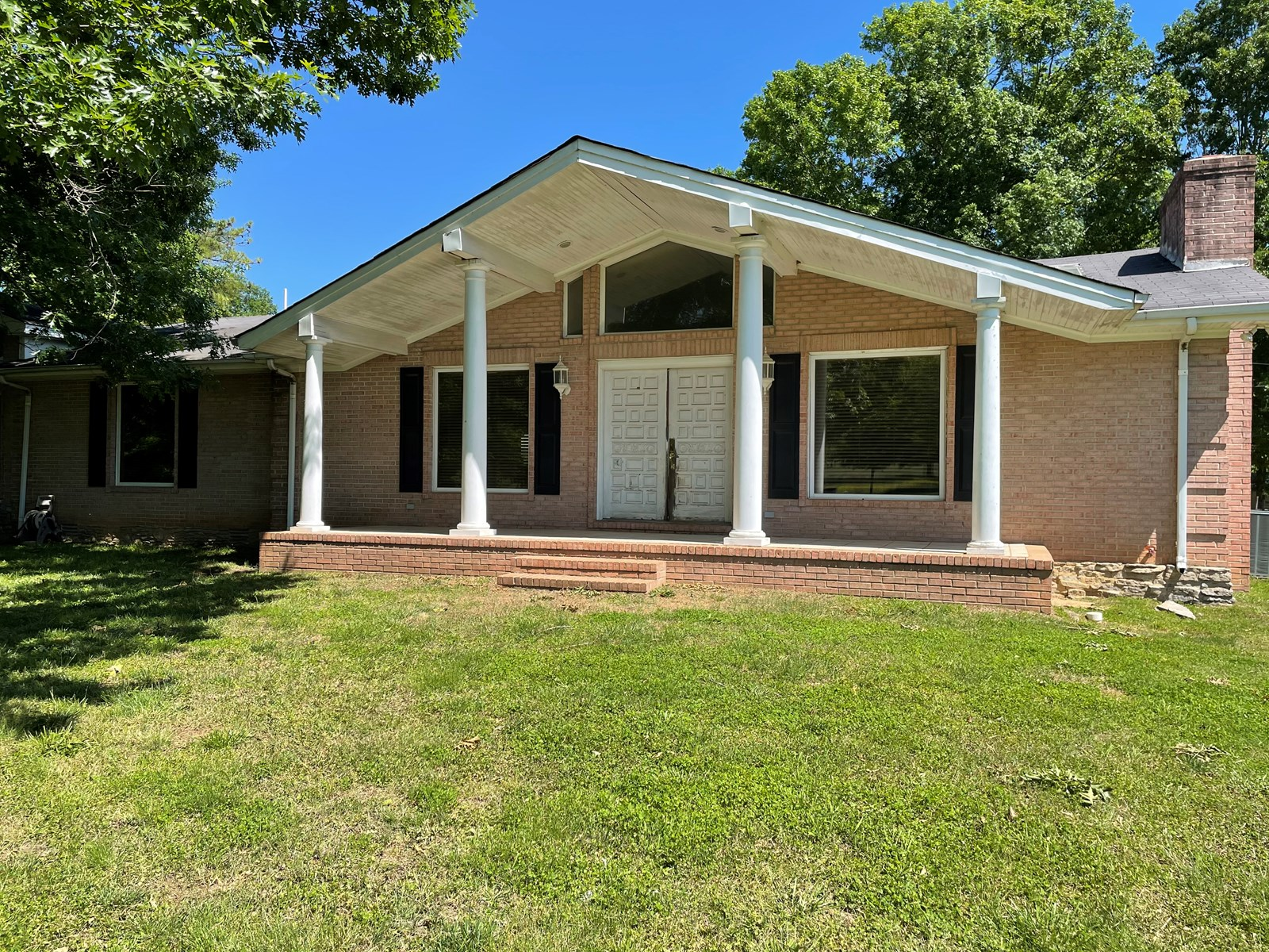 Country Home with Acreage for Sale in Lewisburg, Tennessee