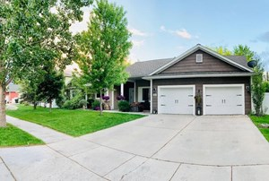 LUXURY HOME WITH LICENSE NIGHTLY RENTAL KALISPELL MT