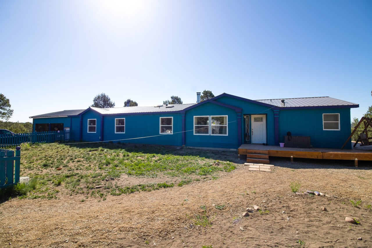 House for Sale on 20acres outside of Durango