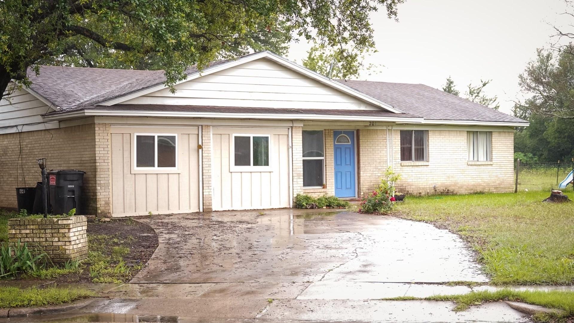 Beautiful home located in  Elm Mott, Texas 76640