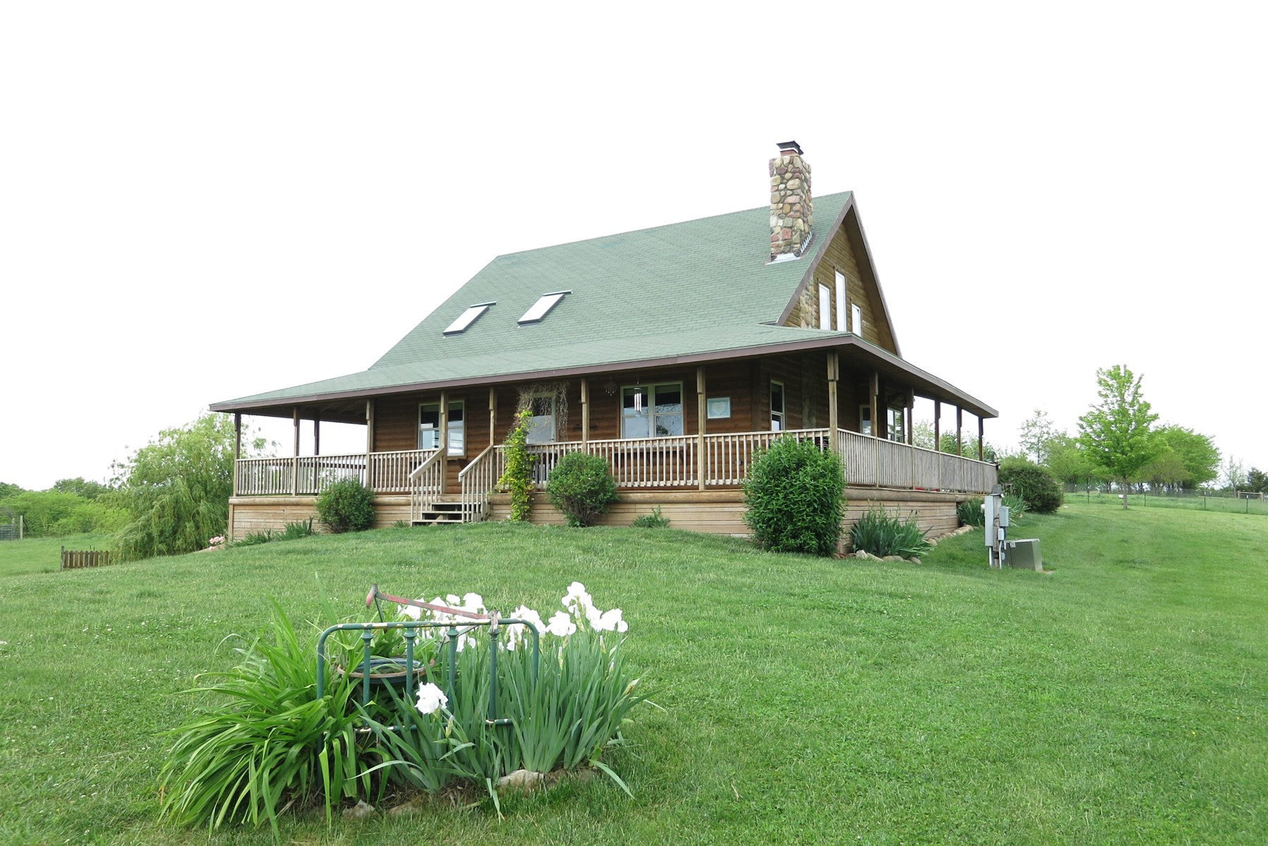 Log Home For Sale On 20 Acres m/l