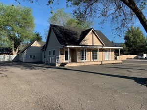 COMMERCIAL PROPERTY FOR SALE IN YREKA, CA