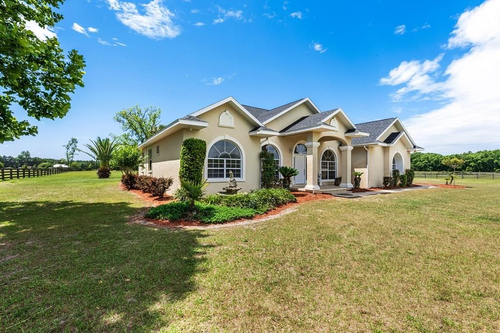 FOR SALE IN BELL, FL - 4/3 CBS POOL HOME ON 20 ACRES!