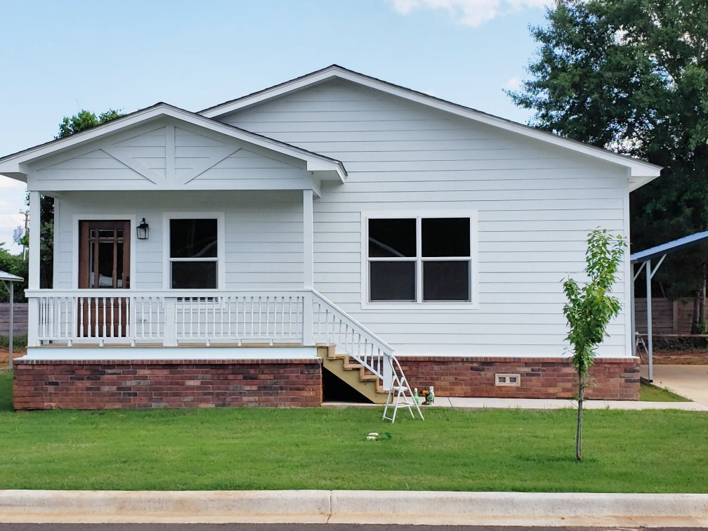 CHARMING NEW ENERGY EFFICIENT HOME FOR SALE IN PALESTINE TX