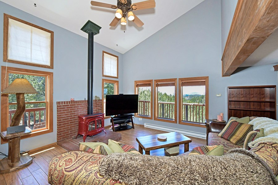 Great Room w/Gas Stove