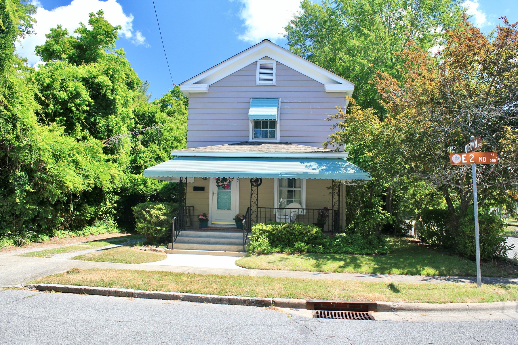 Adorable Home for Sale in Washington Historic District