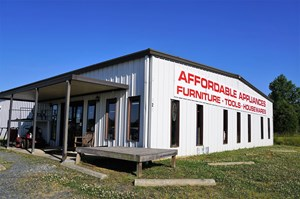 COMMERCIAL BUILDING OPPORTUNITY IN BISCOE