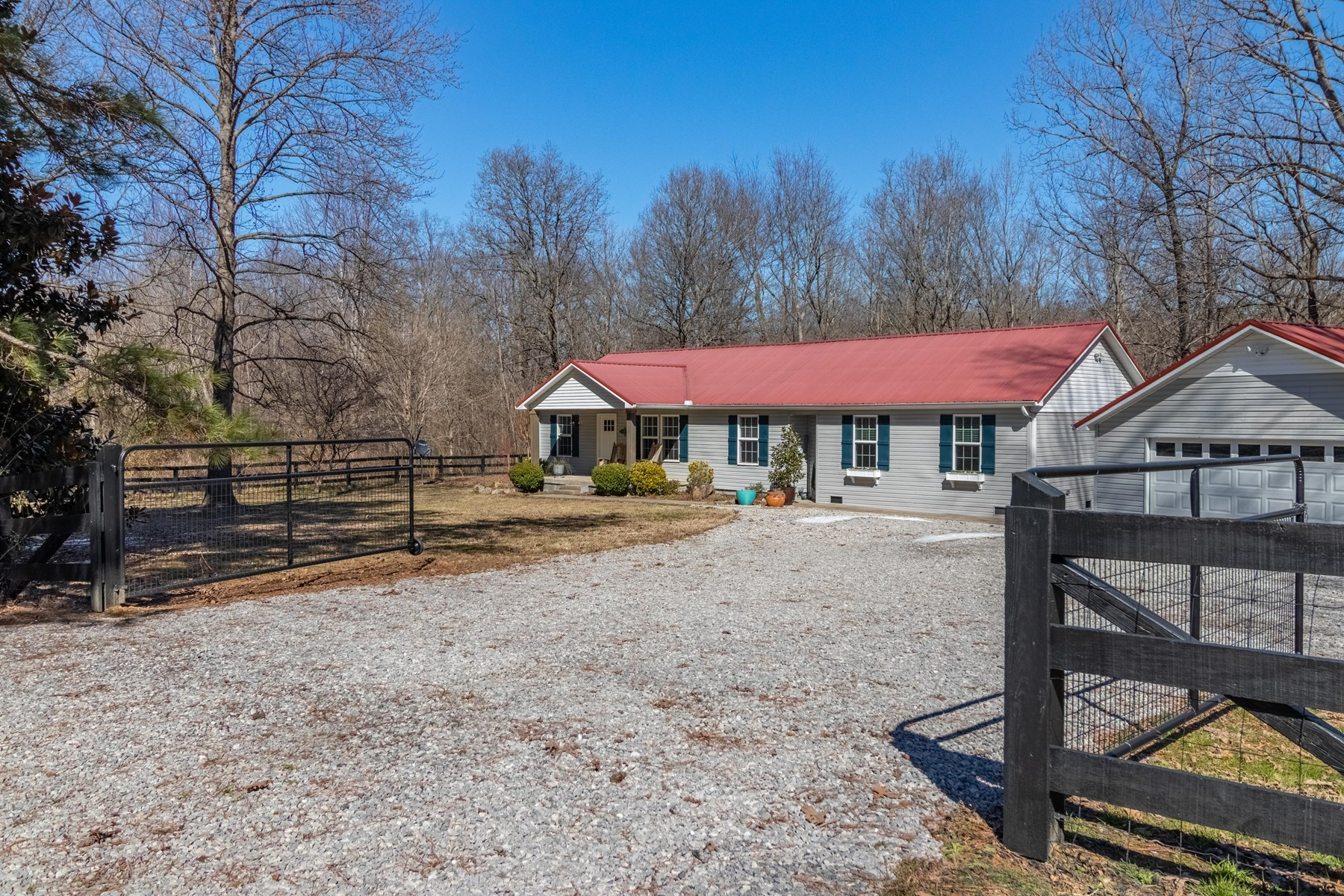 Country Home For Sale in Franklin Tennessee