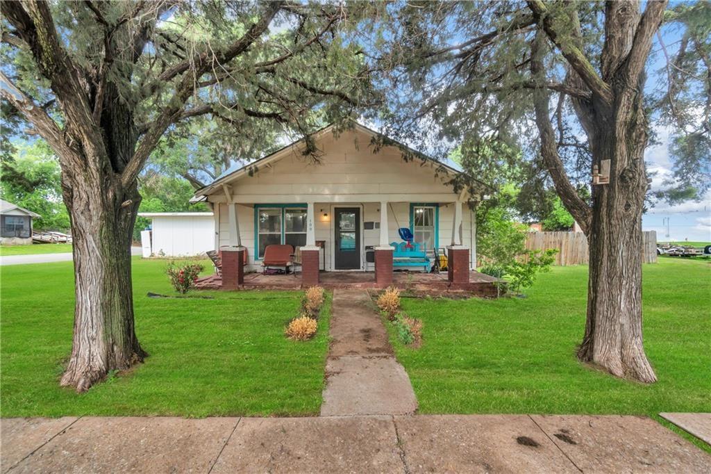 109 S 7th Street, Hammon, Oklahoma 73650