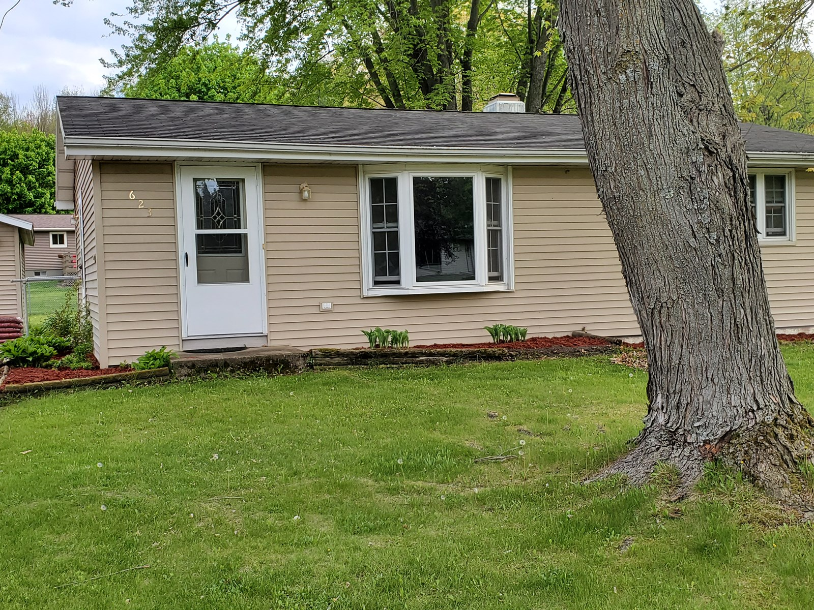 Home In Town For Sale In Waupaca WI