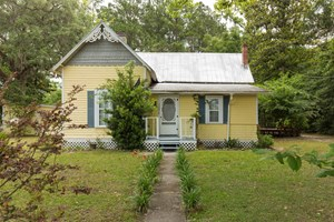 VINTAGE HOME FOR SALE IN WHITE SPRINGS, FLORIDA