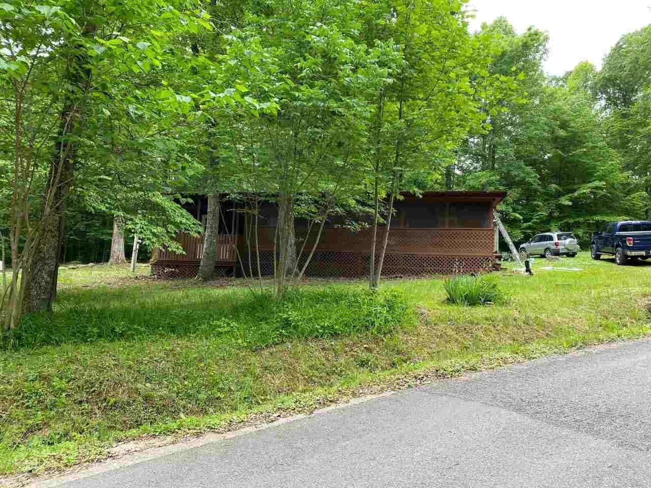 Weekend getaway near Nolin Lake and Mammoth Cave for sale.