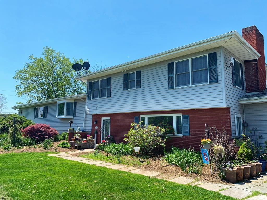 Country Home for sale in Mansfield, PA