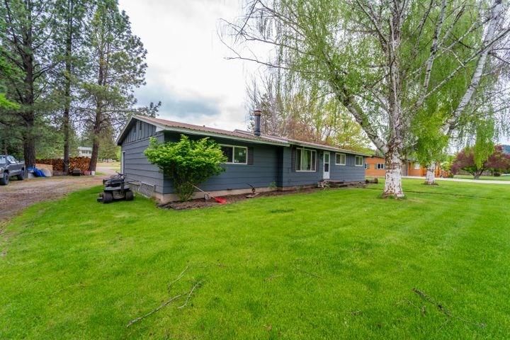 Country Home in Libby, Montana Nice Neighborhood