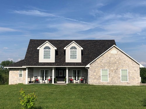 For Sale House & 5+ Acres Close to Schools & Golf Course
