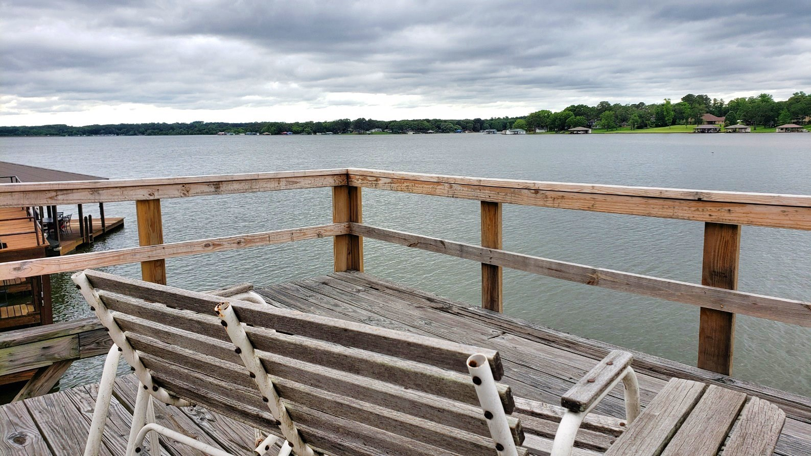 WATERFRONT LOT WITH BOATHOUSE FOR SALE ON LAKE PALESTINE