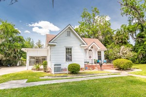 HISTORIC 3/1 HOME WITH 2/1 GUEST/RENTAL HOME IN LAKE CITY FL