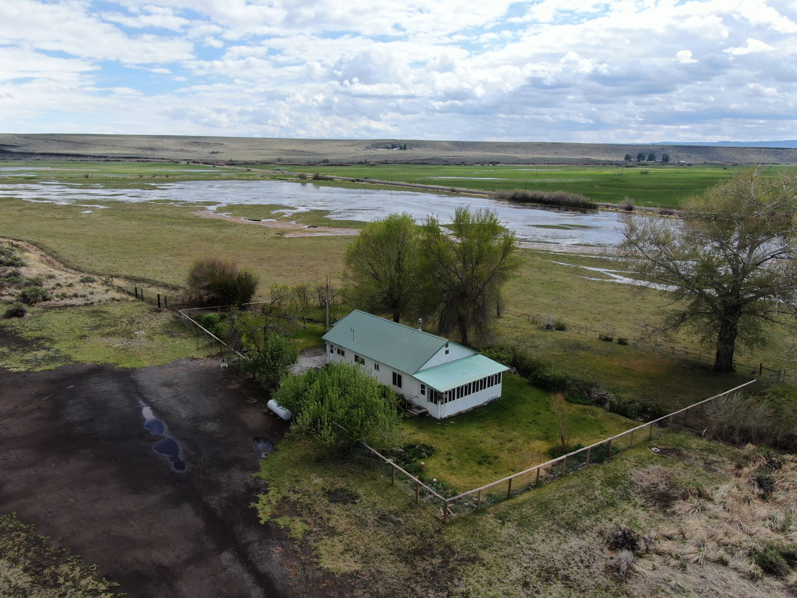 Home on 29+/- acres in Diamond, Oregon