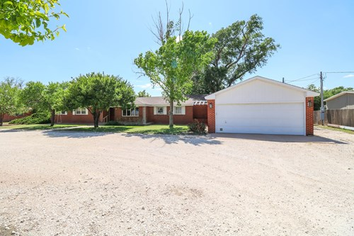 Great COUNTRY Home in Bailey County