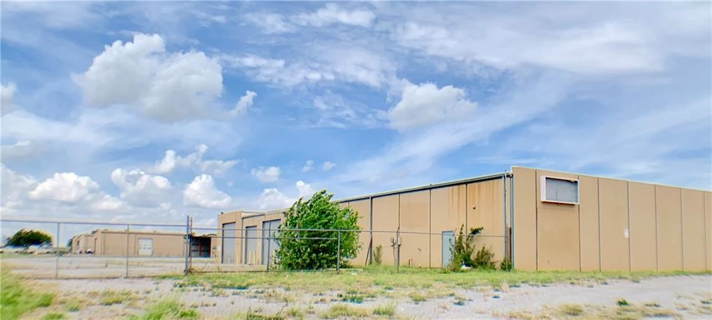 COMMERCIAL BUILDING NEAR INTERSTATE 40