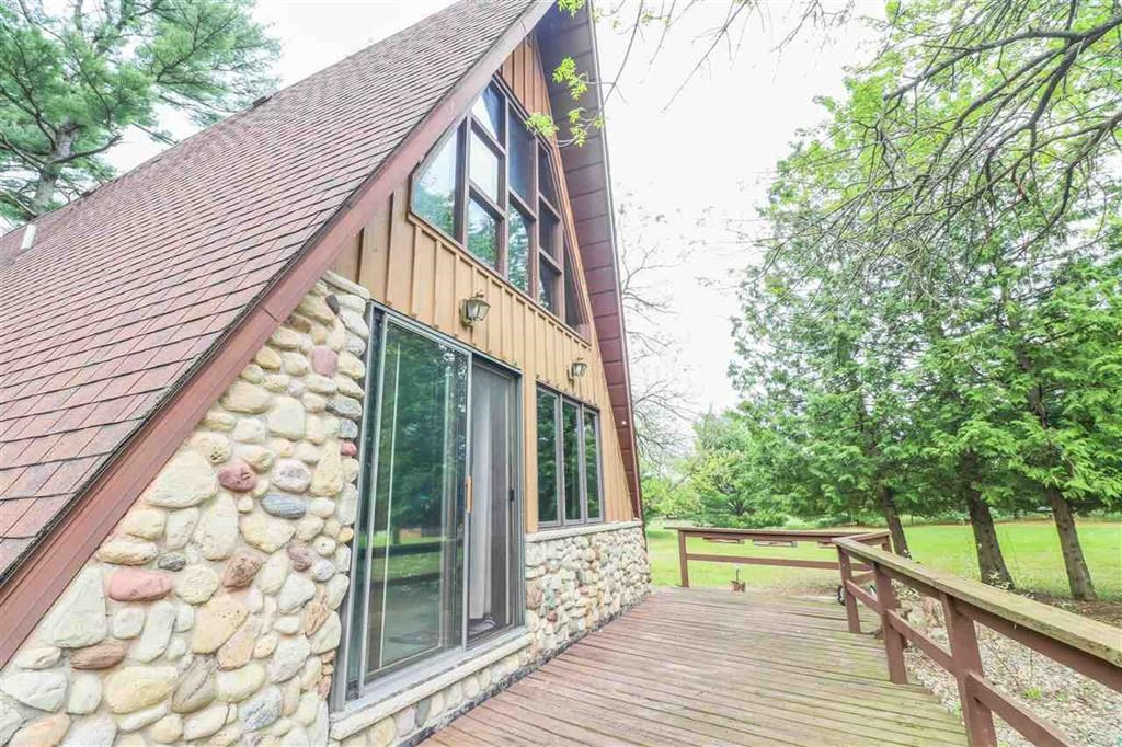 Wisconsin A Frame on Acreage For Sale In Waupaca