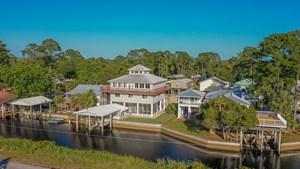 BEAUTIFUL 4 STORY HOME IN SUWANNEE FLORIDA!