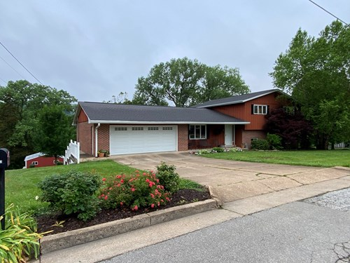 Spacious brick home on a 1.3 acre lot for sale in Hermann!