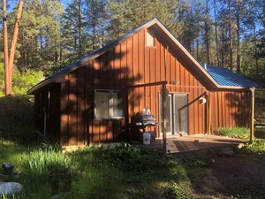 CABIN IN THE MOUNTAINS WITH GREAT VIEWS OF THE BRAZOS CLIFFS