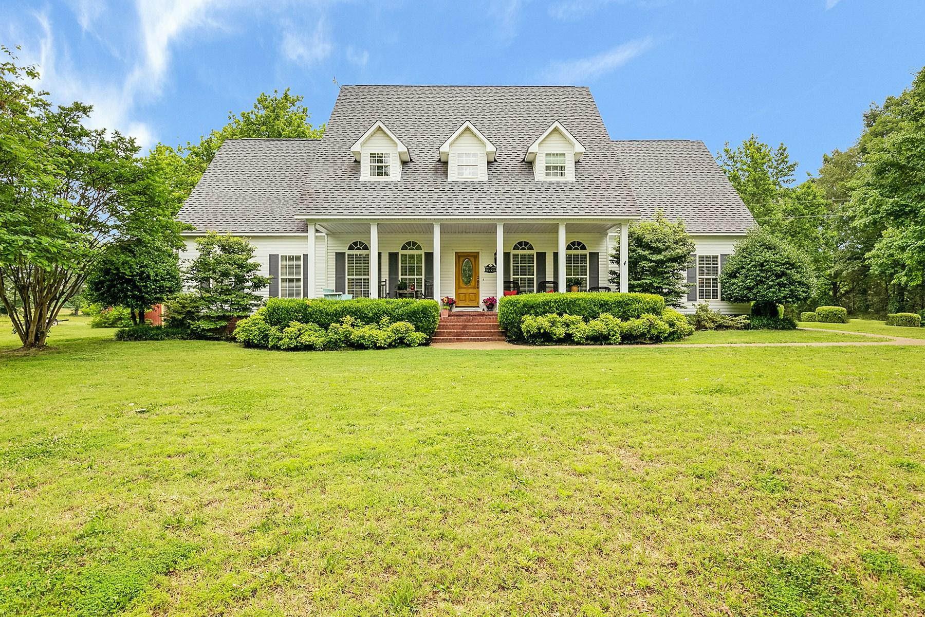 Crocket County TN Modern Farmhouse for sale, Pond, Acreage